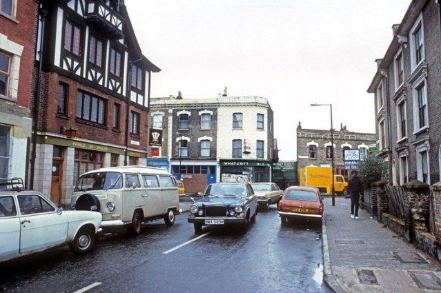 1983 the junction of Nevill Rd and Allen Rd_Rio archive