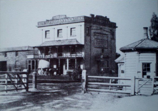 Manor House Tavern with Tollgate. Green Lanes Image 1850